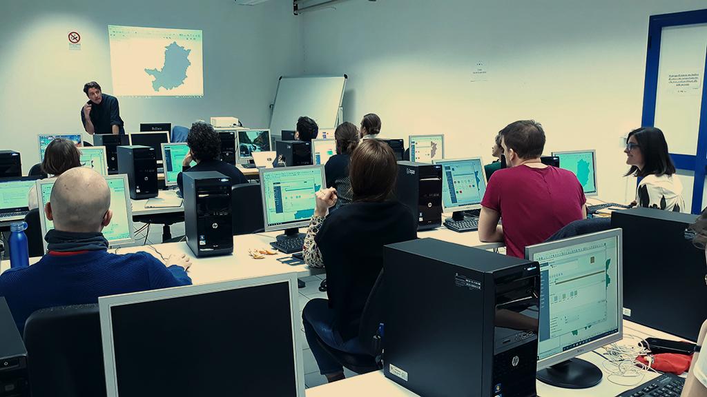 formazione analisi spaziali GIS cartografia digitale sviluppo cooperazione progetti arco Research
