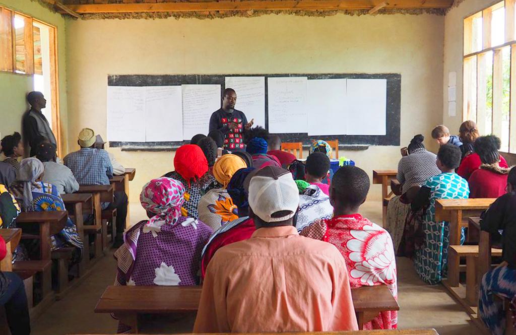 ricerca emancipatoria emancipatory research focus roup Tanzania disabilità disability children school scuola bambini